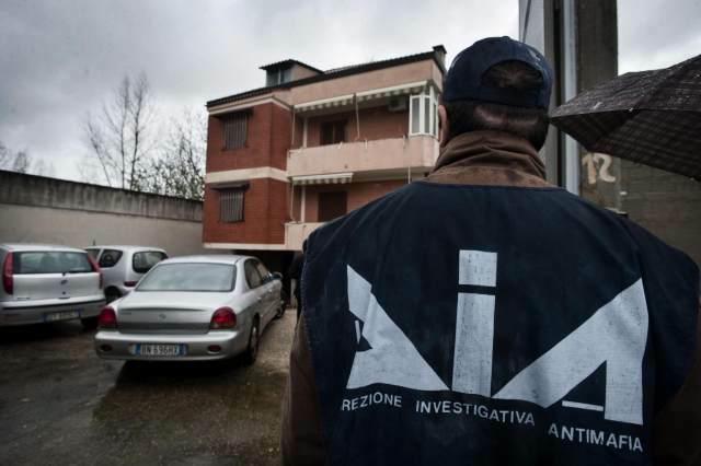 Camorra-Mafia, le mani sul business dei trasporti: sei arresti