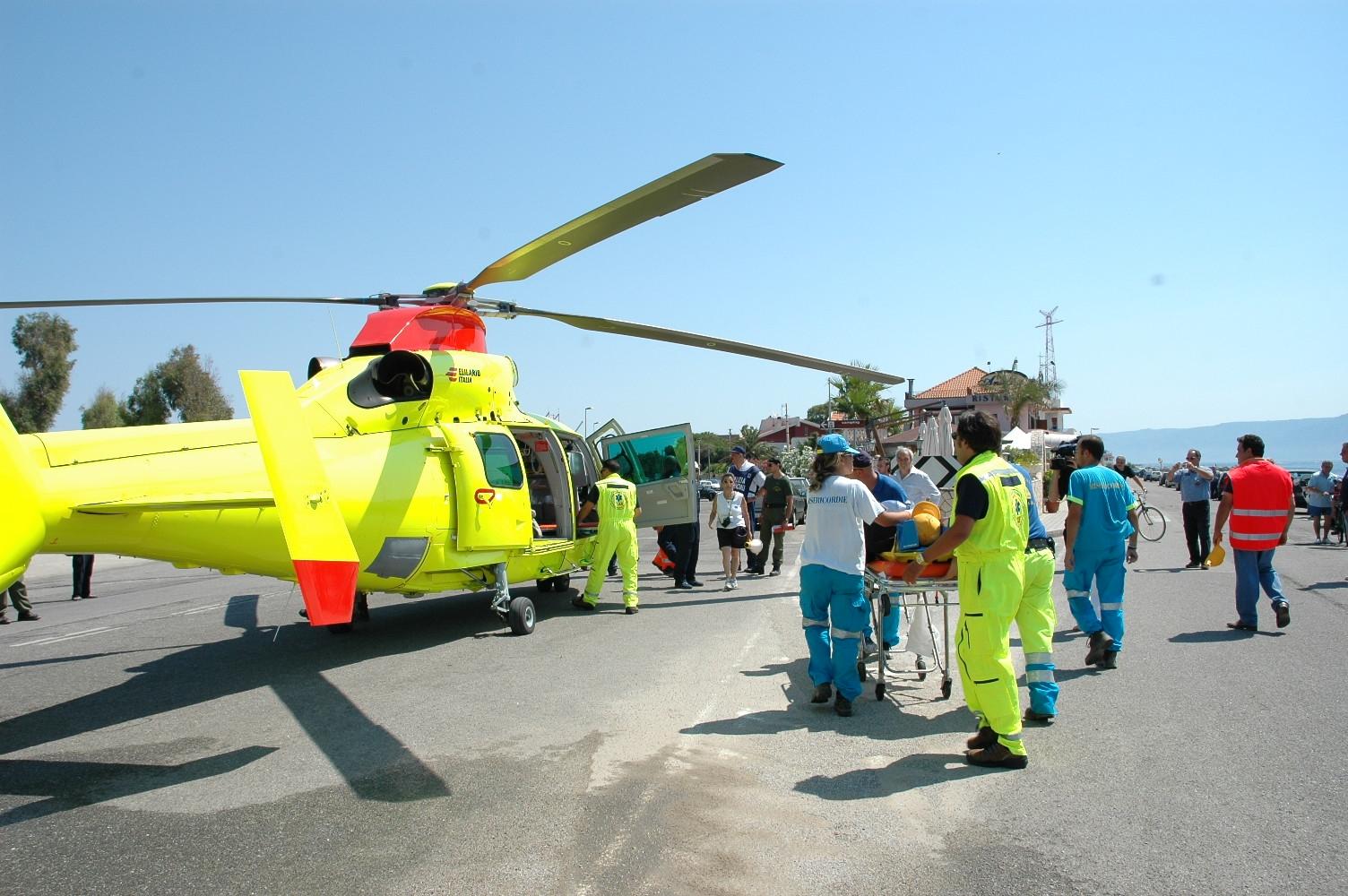 Elicottero Elisoccorso : Elicottero guasto donna muore dopo parto degli