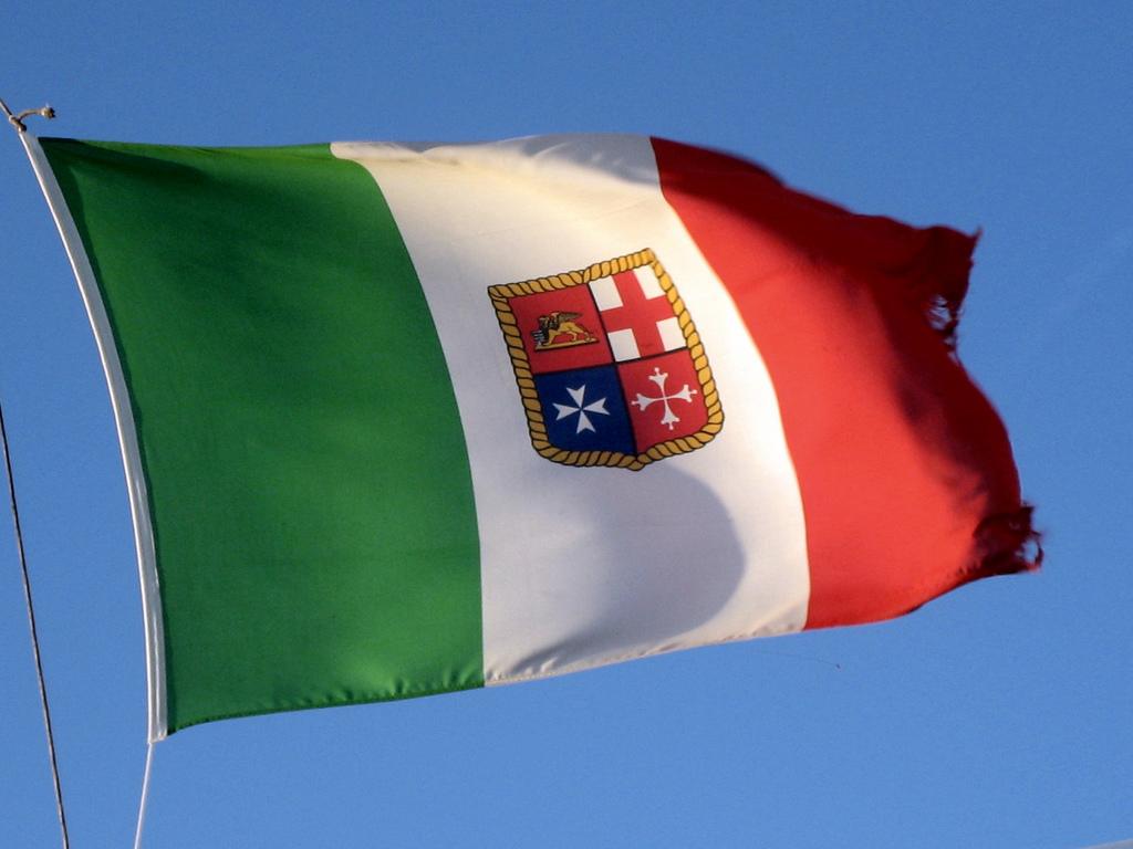 Marina militare italiana quando sono le istituzioni a for Bandiera di guerra italiana